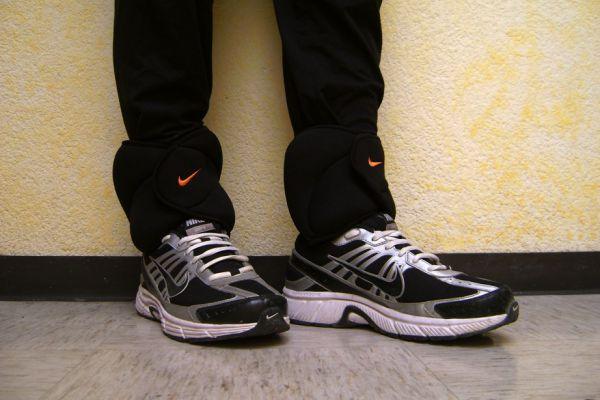 Correr con pesas en los tobillos